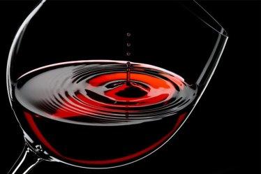 Un pahar cu vin