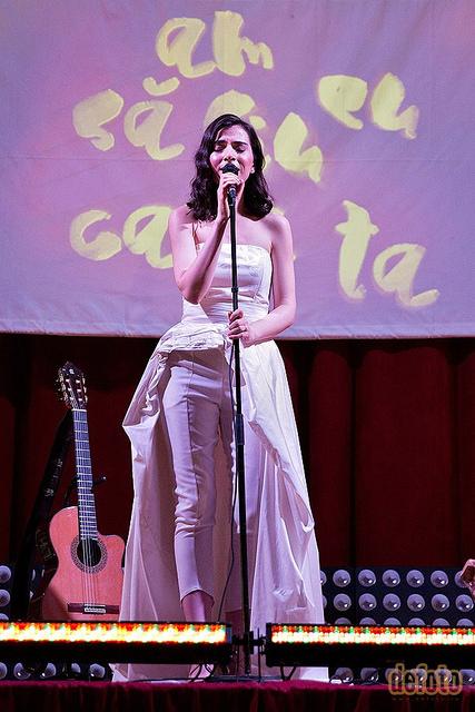 Alexandra Usurelu 04